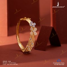 Jewelry OFF! Bracelete with gold and floral pattern. Gold Ring Designs, Gold Bangles Design, Gold Jewellery Design, Bridal Jewellery, Gold Bracelet For Women, Gold Jewelry Simple, Bracelet Designs, Floral, Pattern