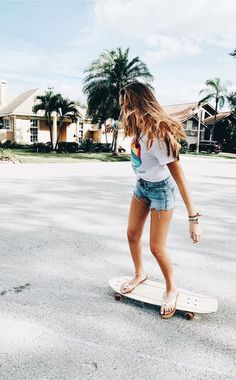 I want summer Beach Vibes, Summer Vibes, Surfergirl Style, Good Vibe, Skate Girl, Summer Goals, Summer Aesthetic, Summer Feeling, Longboarding