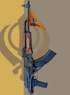 These types of guns (with saffron khalistani flag) were used by our kharku brothers during freedom movements Sikh Quotes, Gurbani Quotes, Wallpaper Downloads, Hd Wallpaper, Operation Blue Star, Baba Deep Singh Ji, Guru Tegh Bahadur, Royal Enfield Wallpapers, Guru Nanak Ji