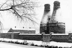 Twyfords Etruria Vale early From the Stoke Sentinel. Stoke On Trent, Latest Pics, Newcastle, Old Photos, The Past, Old Things, England, Pottery, Snow