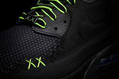 Kaws/Original Fake x Nike Air Max Pack