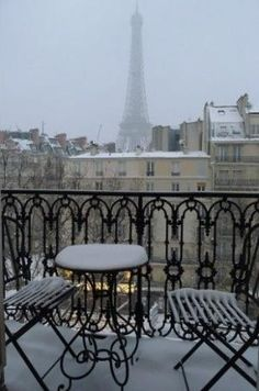 Winter in Paris by deedeegr