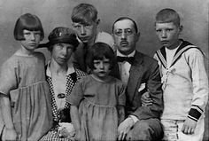 Igor Stravinsky Wife | After his exile in Switzerland during the war, Stravinsky settled for ...