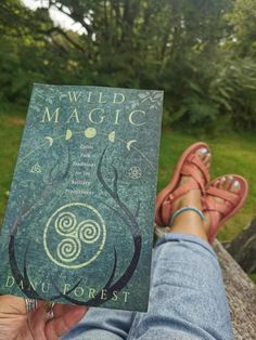 WELLBEING | A Snowdonia Walk And Experiencing Adversity Positively #wellbeing #mentalhealth #meditation #solotravel #thoughts #timetotalk #mentalhealthmatters #spiritual #healing #wildwomen #wildmagick