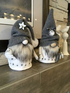 gnomes crafts \ gnomes diy how to make _ gnomes _ gnomes diy how to make from socks _ gnomes crafts _ gnomes diy _ gnomes diy how to make pattern _ gnomes diy free pattern _ gnomes diy how to make no sew Diy Christmas Gifts, Christmas Projects, Holiday Crafts, Christmas Crafts, Christmas Decorations, Christmas Ornaments, Halloween Crafts, Christmas Sewing, Easy Halloween