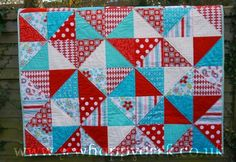 aqua and red quilt | SewHappyGeek