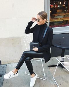 Teenage Autumn Street Style Outfits To Inspire You - Damen Mode 2019 Street Style Outfits, Mode Outfits, Casual Outfits, Women's Casual, Black Outfits, Classy Outfits, Casual Sneakers Outfit, Black Blazer Outfit Casual, Look Casual Chic