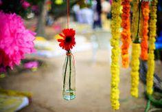 5 fundamentals of south indian wedding decorations Vintage Wedding Cards, Vintage Wedding Flowers, Card Box Wedding, Wedding Reception Decorations Elegant, Wedding Flower Decorations, Mint Blue Weddings, Indian Wedding Theme, Boho Beach Wedding, South Indian Weddings