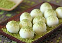 Matcha Green Tea Truffles Recipe: White chocolate truffles infused with green tea and finished with slivers of candied ginger. Exotic and delicious! Tea Recipes, Candy Recipes, Dessert Recipes, Desserts, Breakfast Recipes, Matcha Dessert, Matcha Drink, Matcha Tea Powder, White Chocolate Truffles