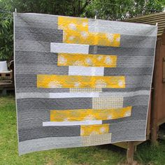 Siobhan Rogers: Fabric choices in recent quilts like the choice of design in middle of quilt,especially to place on a bed. Good treatment for austrailian q.