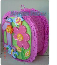 PIÑATA MARIPOSAS Y FLORES Butterfly Party, Butterfly Birthday, Baby 1st Birthday, 1st Birthday Parties, Piñata Hello Kitty, Mini Pinatas, Fiesta Colors, Ideas Para Fiestas, Fiesta Party