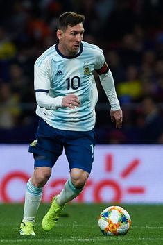 MADRID, SPAIN - MARCH Lionel Messi of Argentina in action during the International friendly match between Argentina and Venezuela at Estadio Wanda Metropolitano on March 2019 in Madrid, Spain. (Photo by Quality Sport Images/Getty Images) Cristiano Ronaldo Lionel Messi, Messi And Ronaldo, Messi 10, Messi Argentina, Fc Barcelona, Lionel Messi Barcelona, Leonel Messi, Best Football Players, Soccer Players