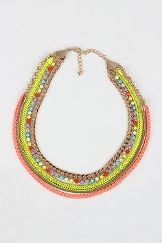 Neon Party Necklace para el verano. Sus colores combinan con piezas más sobrias #trend #chic #fashion
