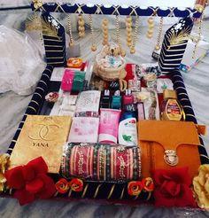 Chhab for bhabhi Indian Wedding Gifts, Creative Wedding Gifts, Desi Wedding Decor, Wedding Stage Decorations, Engagement Decorations, Wedding Crafts, Unique Gifts, Bengali Wedding, Wedding Ideas