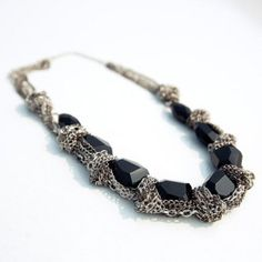 $5.99 Classic Black Faux Gemstone Embellished Alloy Necklace For Women