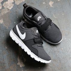 on sale 44b9c 54929 Nike SB Trainerendor Nike Kicks, Kicks Shoes, Sneakers N Stuff, Nike  Sneakers,