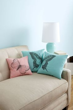 Transform plain pillows with this easy iron-on project. #WomansDay