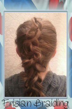3 strengen opvlecht maar dan even anders. 3 strand Dutch braid but just a little different.
