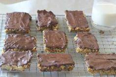 Fruit and Nut Flapjacks Flapjack Recipe, Sweet Treats, Lunch, Snacks, Cookies, Chocolate, Baking, Fruit, Desserts