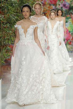 ilovebrides.pt desfile Galia Lahav coleção 2017 na Barcelona Bridal Fashion Week
