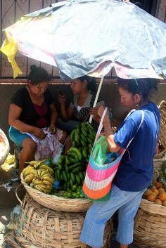 Nicaragua's local fresh fruit flee market