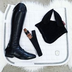 """Urban Horsewear on Instagram: """"I am loving those new Saddlepad from HKM! It's made of out a high quality cotton that has a slight sheen. Shop here: www.urbanhorsewear.com…"""" Equestrian, Chelsea Boots, Urban, Ankle, Cotton, Shopping, Instagram, Fashion, Moda"""