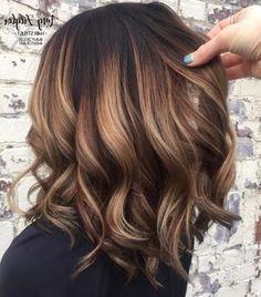 Caramel Balayage Bob, Brown Hair Balayage, Brown Hair With Highlights, Brunette Highlights, Color Highlights, Caramel Color, Dark Brown Balayage Medium, Balayage Hair Brunette Medium, Baylage Short Hair