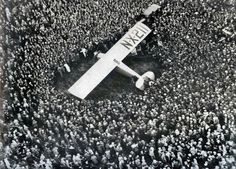 Lindberg's arrival and the crowds at Croydon Airport.