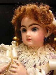 poupée antique