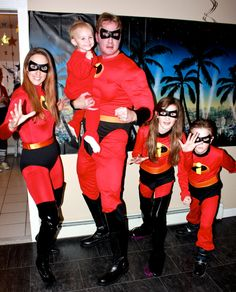 The Incredibles #family #cosplay by cosplaynut.deviantart.com