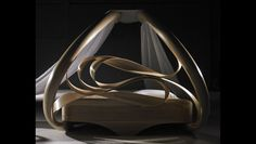 Enignum V Canopy Bed