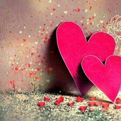 """""""(...) Toda a minha riqueza está em meu coração. Toma! É teu meu abraço, olfato e tato. Aconchegue-se em meu peito, esqueça o pronome, preencha o sujeito - somos extensão... Eu me tenho, nós nos temos. Tenho tudo, então..."""" - [Marla de Queiroz]"""