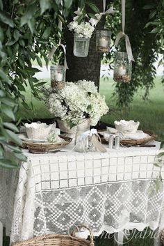StoneGable: HANGING LANTERNS TABLESCAPE..these would be really cute for outside