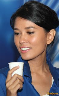 Music in Asia Jakarta: Titi Sjuman: garota de múltiplos talentos Asia, Jakarta