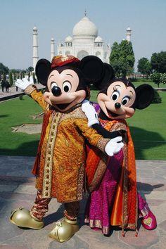Mickey & Minnie at the Taj Mahal, Agra, Uttar Pradesh, India - Walt Disney… Disney Style, Disney Love, Disney Magic, Disney Art, Disney Couples, Disney Pins, Disney Characters Costumes, Disney Cartoon Characters, Mickey Mouse And Friends