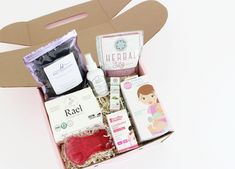 Choose from the standard MOMBOX, our C-Section Recovery Kits, a Deluxe MOMBOX, or a personalized digital gift card. Postpartum Recovery, Postpartum Care, New Dads, Gifts For New Moms, Earth Mama, Really Good Stuff, After Giving Birth, Post Pregnancy, Baby Store
