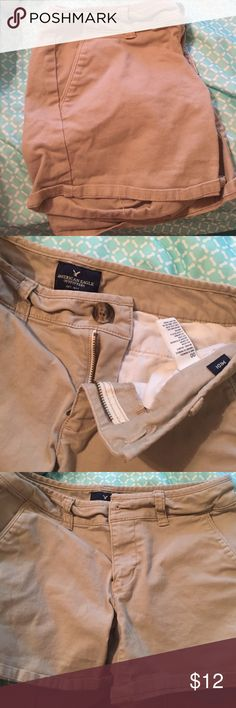 Khaki American Eagle midi shorts Khaki American Eagle shorts size 00 American Eagle Outfitters Shorts