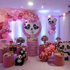 Encanto de festa com o tema Panda Menina! Panda Themed Party, Panda Birthday Party, Panda Party, Girl Birthday Themes, Baby Birthday, Birthday Party Decorations, Baby Shower Decorations, 1st Birthday Parties, Unisex Baby Shower