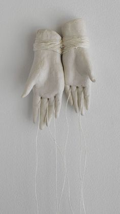 hands tied by Bonnie Marie Smith abstract emotive contemporary art sculpture Plaster Sculpture, Hand Sculpture, Sculpture Ideas, Cerámica Ideas, Instalation Art, Show Of Hands, Louise Bourgeois, Doll Stands, Paperclay