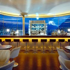 Enjoy views of charming Innsbruck and the world-famous Austrian Alps from 360 Wine Bar and Lounge, set seven stories above a shopping center. Innsbruck, Salzburg, Famous Bar, Visit Austria, Trendy Bar, Bars And Clubs, Bar Lounge, Rooftop Bar, Cafe Bar