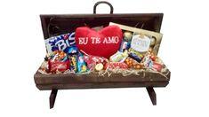 Uma belissima cesta de chocolate para impressionar a pessoa especial. Temos Cestas de Chocolates, Cestas para presente, Cestas Romanticas. Acesse nosso site e confiram nossas promoções. (11) 2372-7622 ou (11) 96467-7399 www.cestasefloresluana.com.br