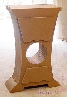 Meuble colonne en carton