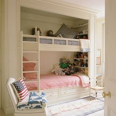 H&G Living Beautifully loves built-in bunk beds
