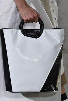 Bag and Purse Trends Spring 2018 - Runway Bags Spring 2018 #handbagsandpurses