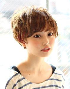 ショートにパーマをかけて、ふんわりガーリーに!|下北沢 美容室 RITZ下北沢 presents ヘアカタログ ブログ