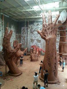 Pin by Dana Lodes on Sculpture in 2019 Sculpture Tattoo, Hand Sculpture, Sculptures Céramiques, Pottery Sculpture, Pottery Art, Images D'art, 3d Fantasy, Hand Art, Statue