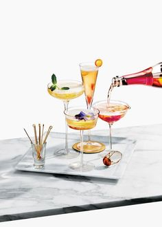Give your friends a wedding menu they won't soon forget, and the specialty cocktails everyone will be talking about. Are food trucks out for weddings? Food Photography Styling, Food Styling, Product Photography, Drinks Tray, Fruit Drinks, Beverages, Champagne Cocktail, Wedding Champagne, Photo Food