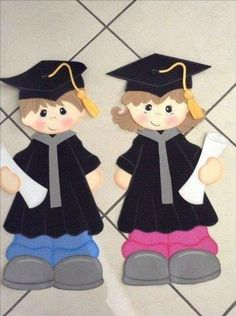 Foami graduates - New Deko Sites Graduation Images, Graduation Templates, Graduation Crafts, Graduation Cupcake Toppers, Graduation Party Planning, Graduation Theme, Kindergarten Graduation, Diy And Crafts, Crafts For Kids