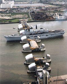 HMS Ark Royal passing through the Thames Barrier. Thames Barrier, Hms Ark Royal, Navy Carriers, Merchant Navy, Boat Lift, London Landmarks, London History, Royal Navy, Uk Navy
