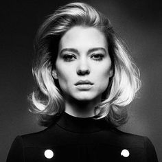 Flawless glamour... @leaseydoux_genuine in @vogueparis! #wcw